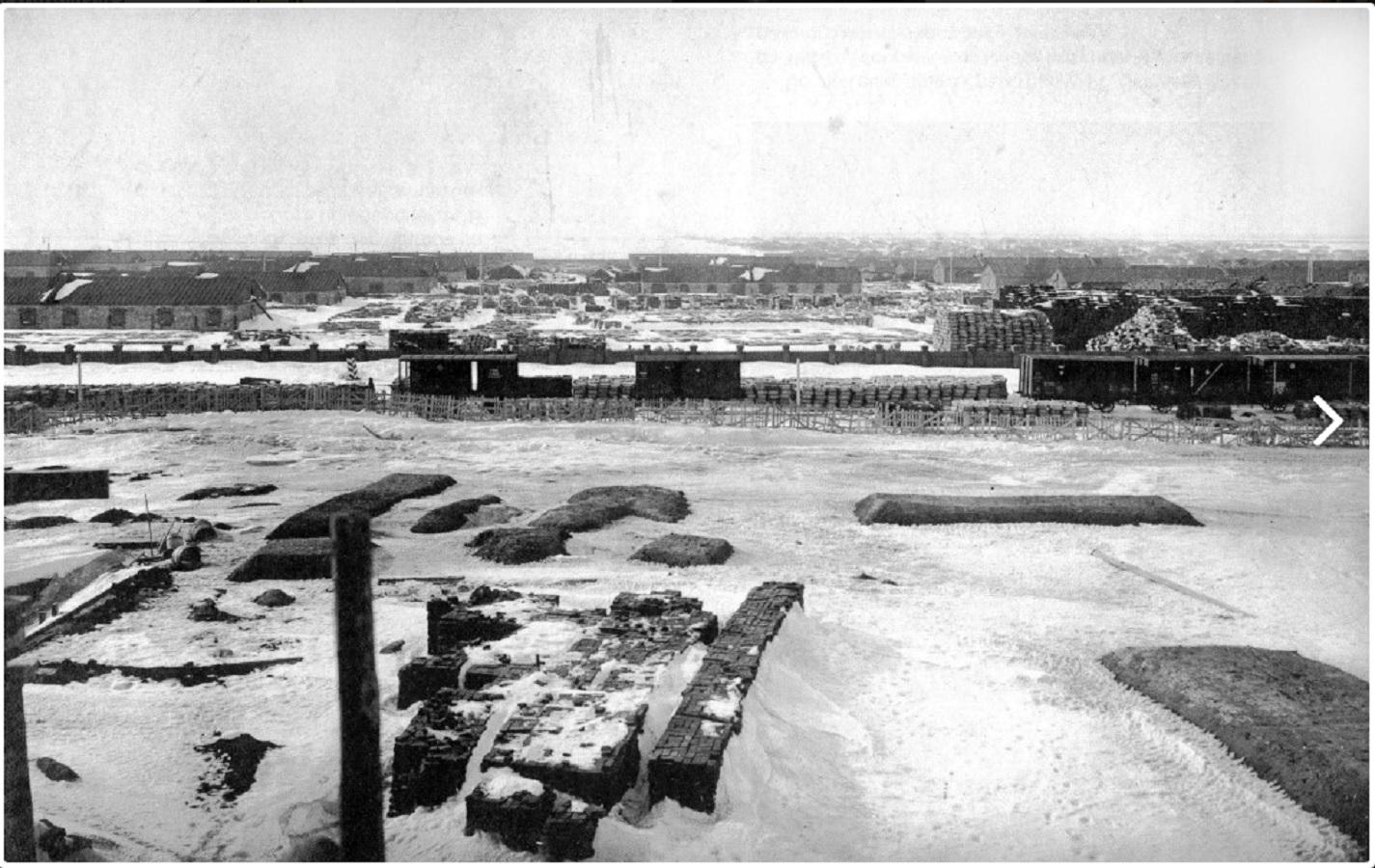 Разгрузочная железнодорожная станция у поселка Томылово на месте строительства завода взрывчатых веществ. 1911