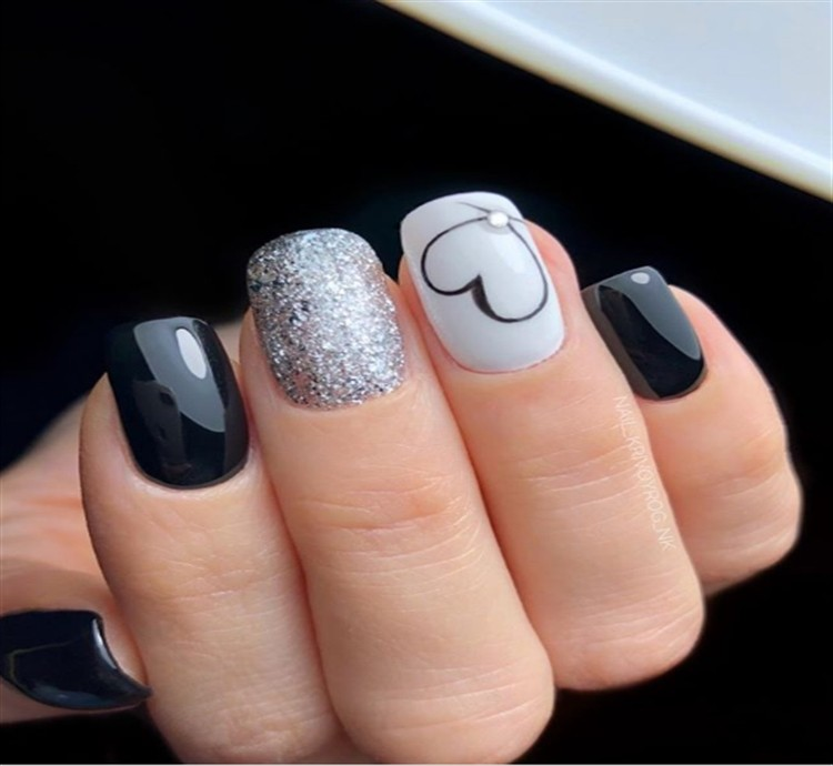 Top 100 Majestic Black Nail Art Trendy Ideas