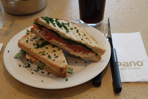 "Pano Salmone im ""pano - Brot & Kaffee"" (Minden)"