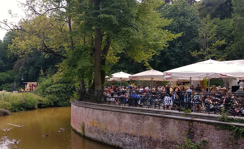 "Middelheim  - 41915041340 da75261a32 c - ""Experience traps"" en el parque-museo de Amberes."