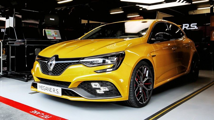 Renault Megane RS Trophy е формула 1 болид за секој ден