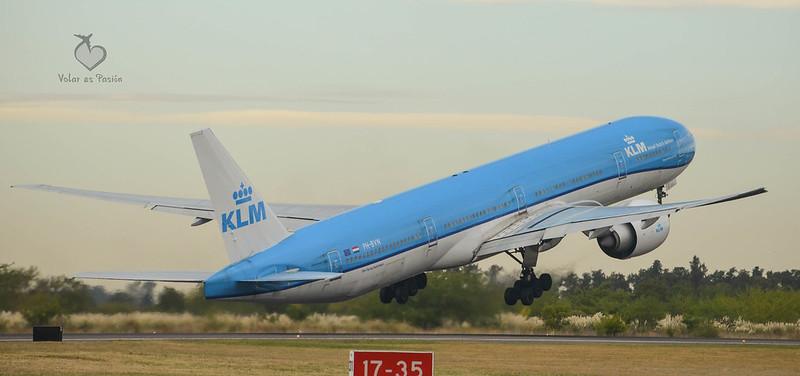 KLM / B777-300