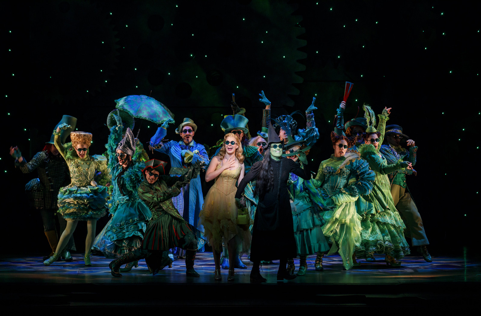 Broadway In Detroit: WICKED Returns To The Detroit Opera House August 8 - September 2, 2018 // (article via Wading in Big Shoe) // Photo by Joan Marcus