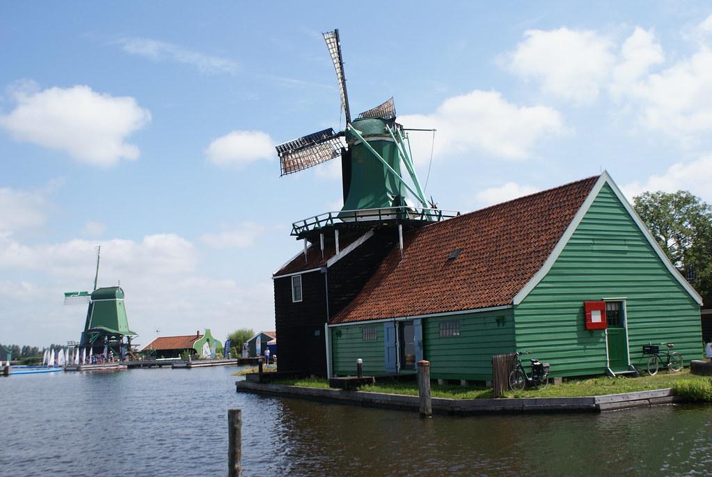 Un moulin de Zaanse Schans près d'Amsterdam.