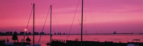 sunset ohio red panorama sailboat hit lakeerie neo sailboats lakecounty breakwall northeastohio fairportharbor fairportbreakwaterlight northeasternohio htprackandmarina