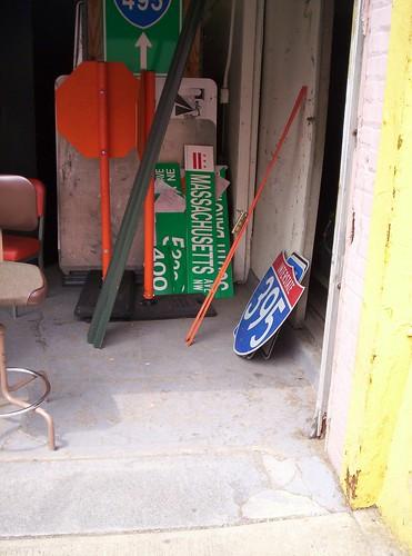 DDOT sign shop