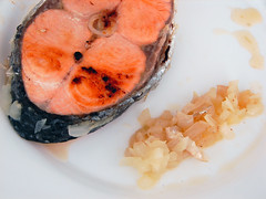 salmon(1.0), salmon-like fish(1.0), fish(1.0), fish(1.0), sushi(1.0), seafood(1.0), produce(1.0), food(1.0), dish(1.0), cuisine(1.0), smoked salmon(1.0),