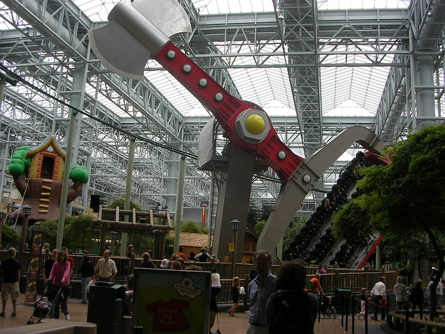 Nickelodeon Universe®, the nation's largest indoor theme park, is home to seven acres of unique attractions, entertainment and dining options. Meet the Nick characters, experience spine-tingling rides, visit unique retail shops and much more!