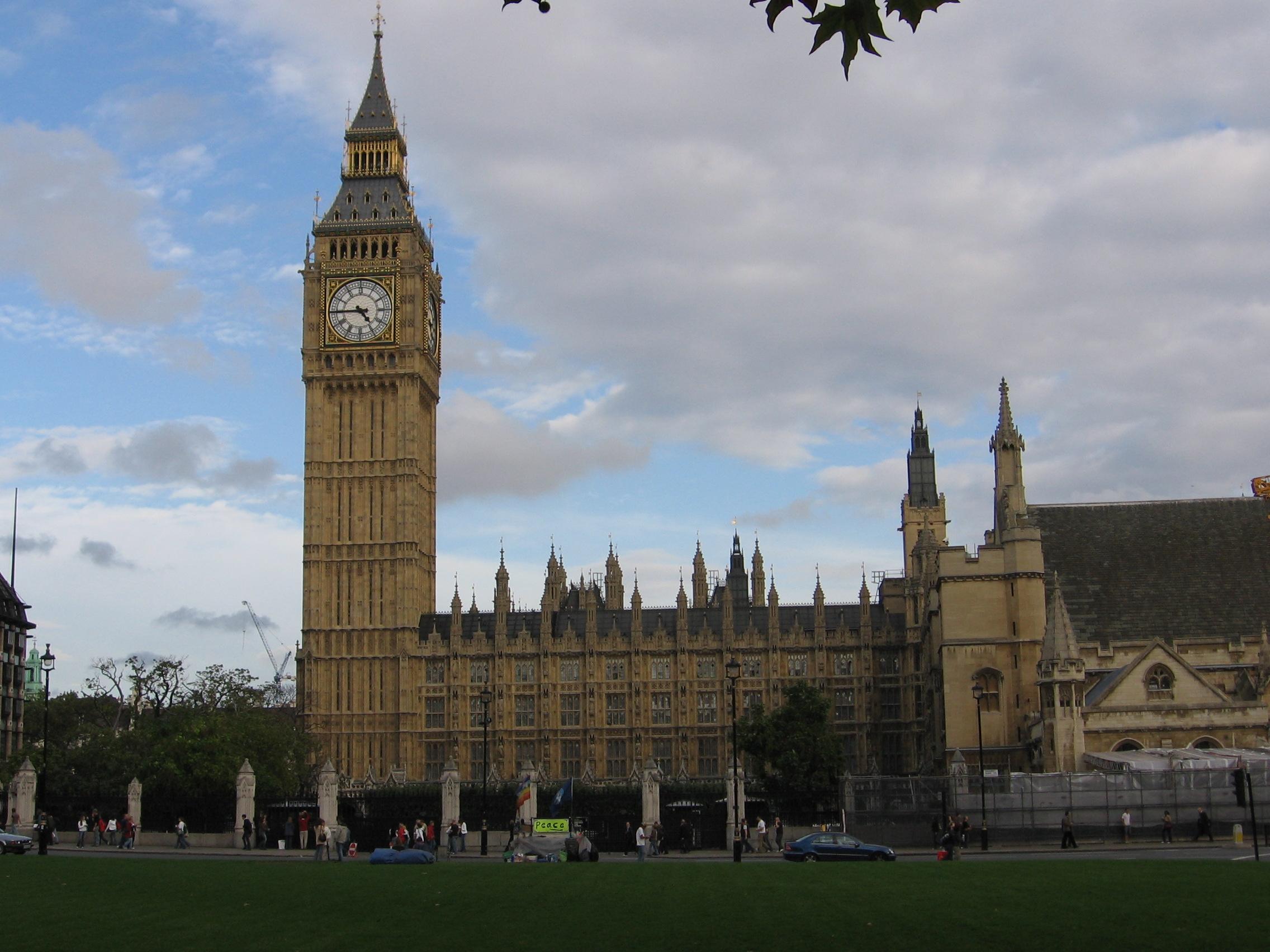 Famous landmarks glamourous london for 3 famous landmarks