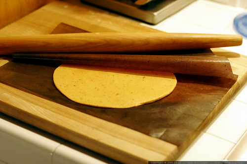 rolling sun dried tomato tortillas    mg 2004