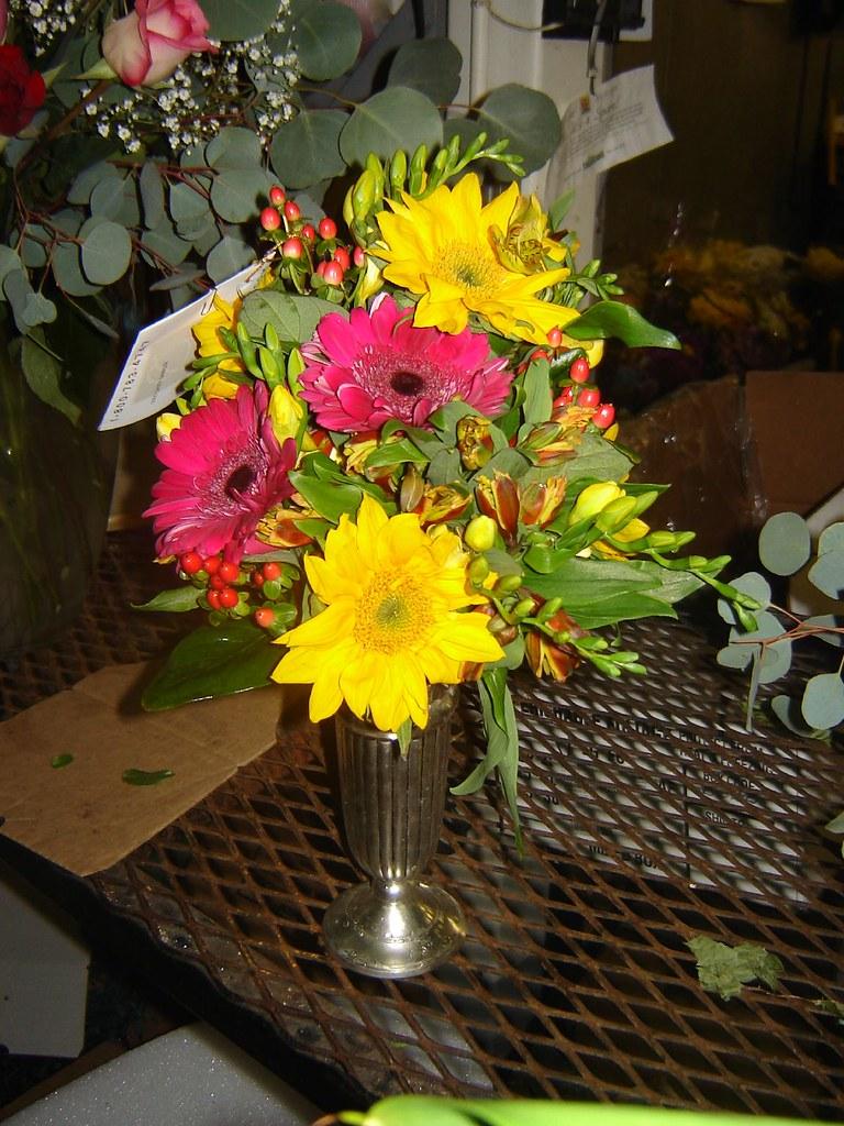 oberer flowers - flowers - black floral quilt