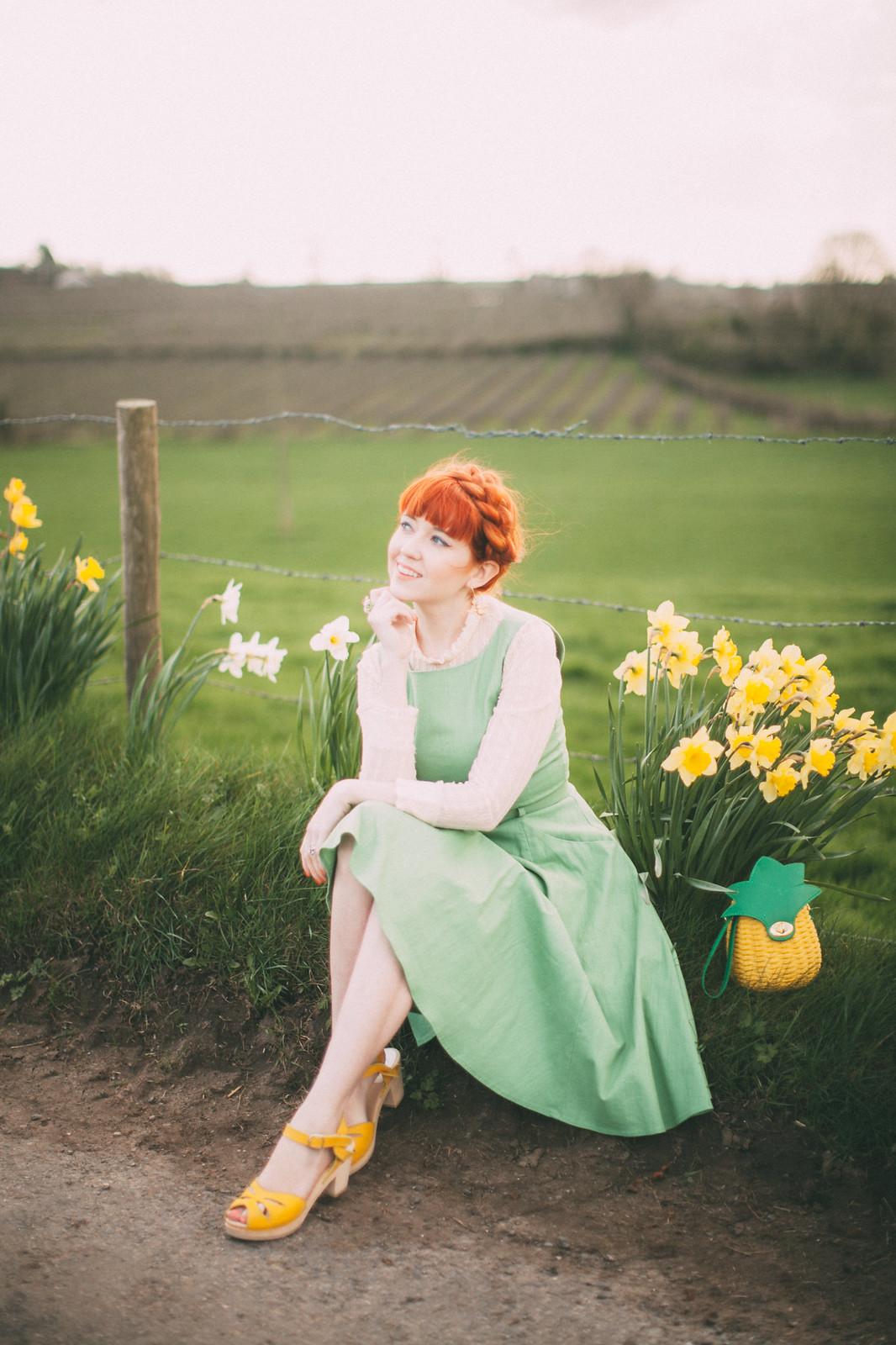 daffodil road-6