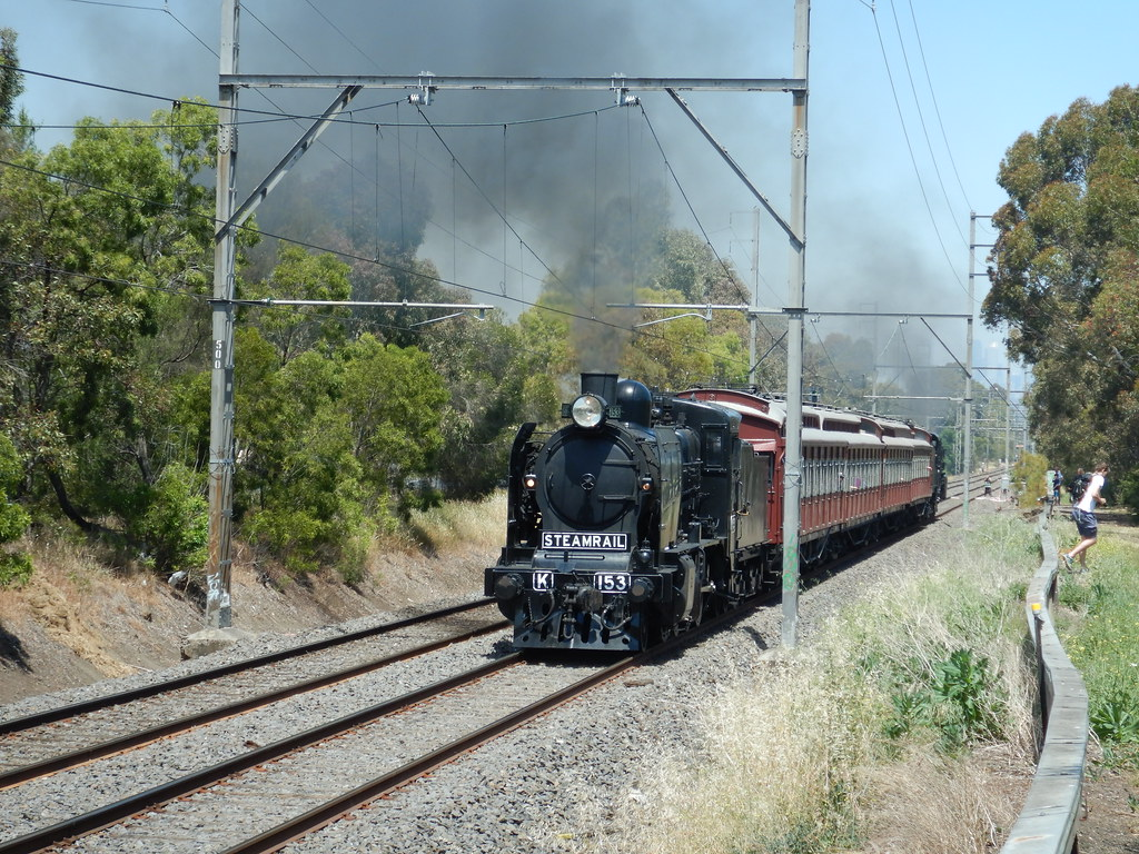K153 & restored tait set and A2 986 near glenroy. 11/11/2017 by roreeves