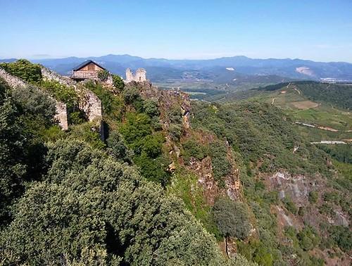 El castillo templario de Cornatel. #bierzo #castillocornatel #cornatel #castle #phonephoto #leon #temple #templarios