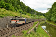 SNCF BB 25679 + RRR 306 te Arzviller - Photo of Fleisheim