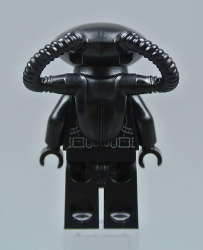 76095 Black Manta Strike
