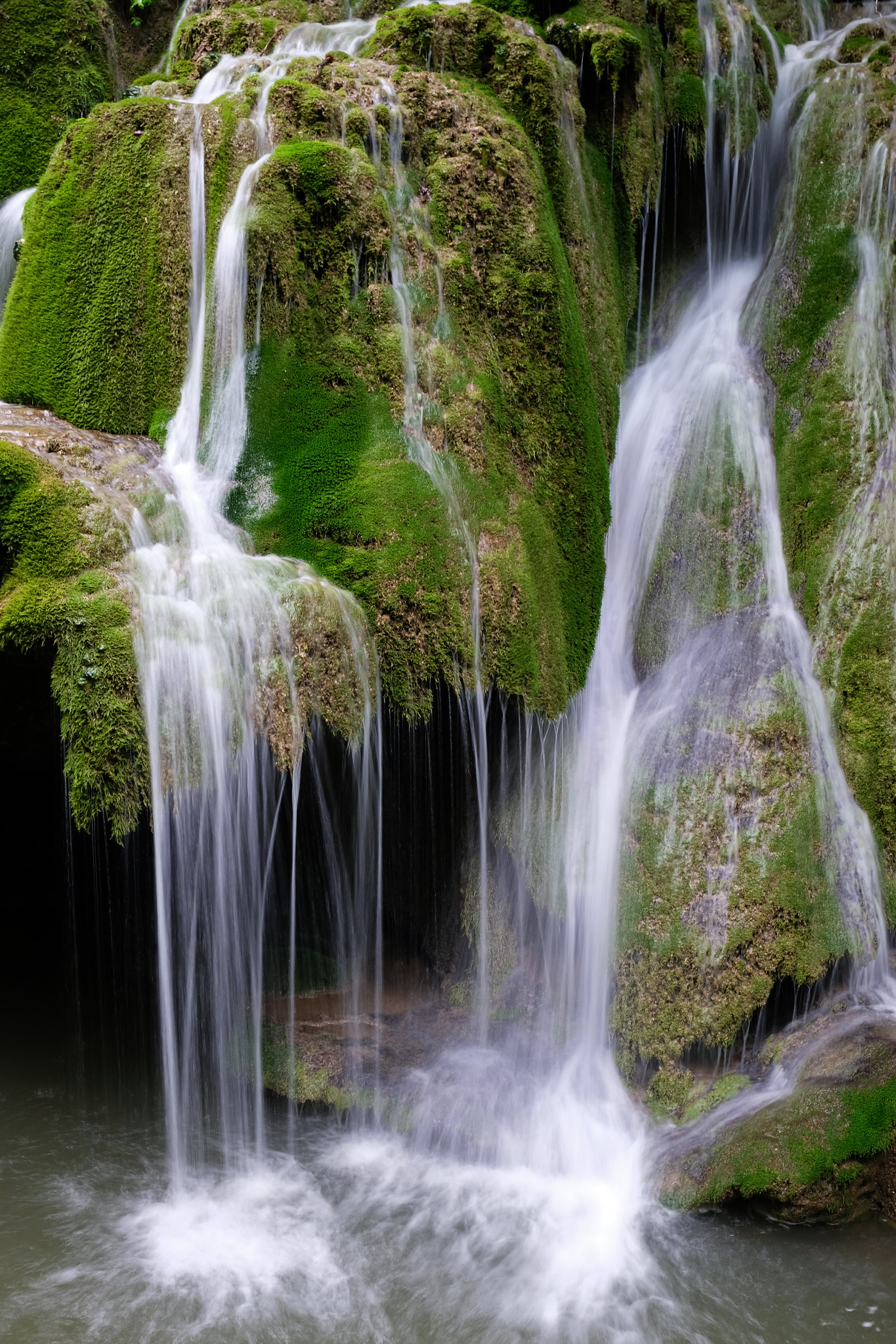 Photographing Waterfalls: Bigar Falls, Romania