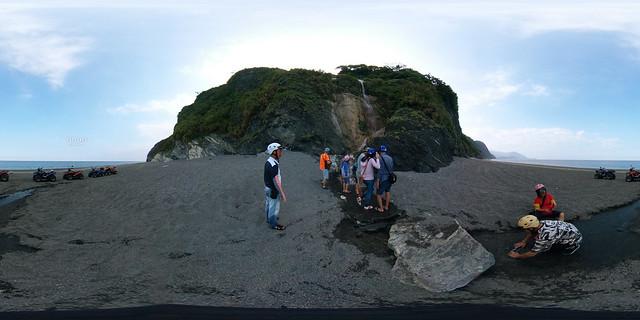 10南澳神祕海灣海蝕洞沙灘車(手機版請點照片右下角360)