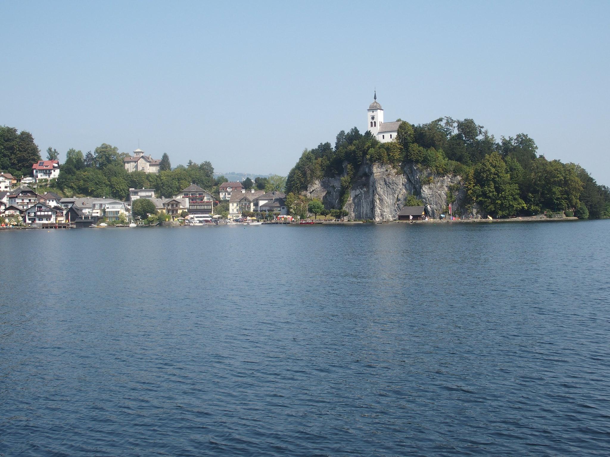 Kyrkan på ön