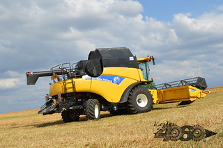 New Holland Cr 9070-107