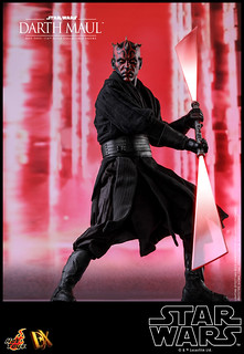 Hot Toys Darth Maul 1/6 Sixth Scale Collectible Figure - Star Wars Episode I: The Phantom Menace