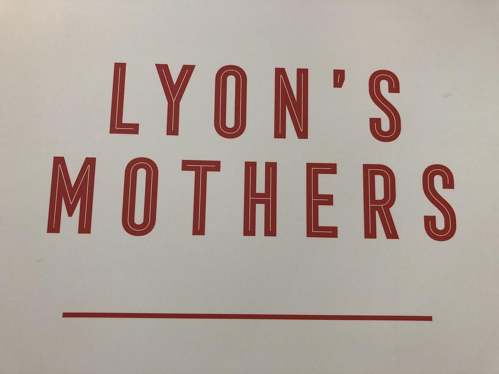 Lyonin äidit