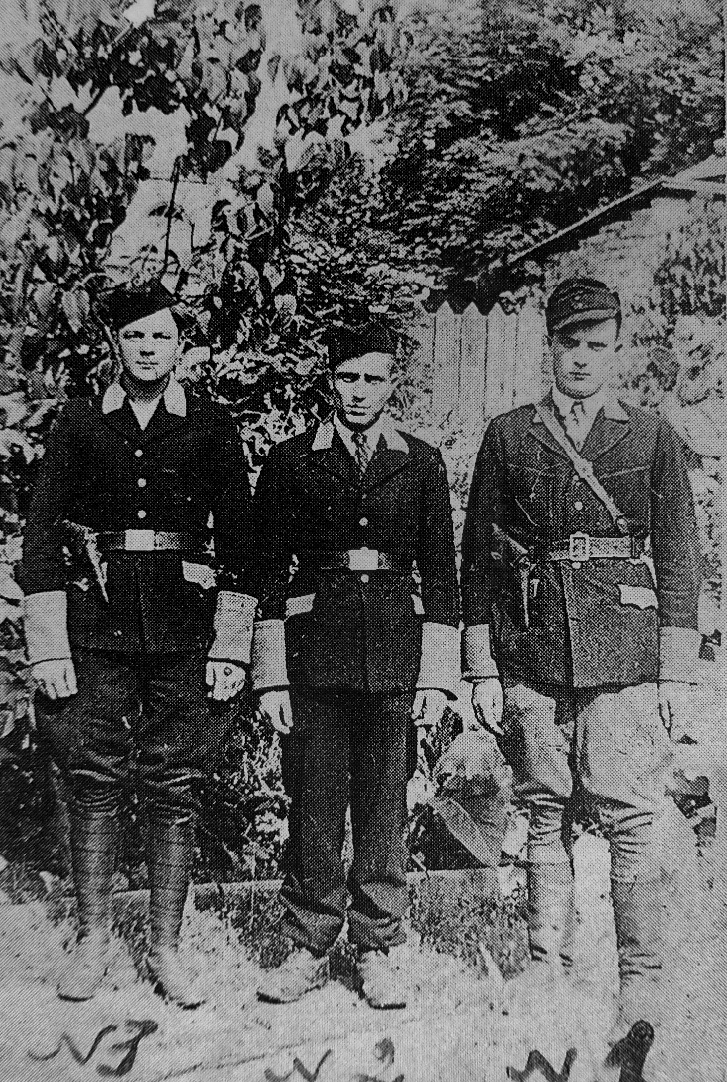 1942. Сотрудники вспомогательной полиции «шуцманшафт» (Schutzmannschaft) в оккупированном городе Несвиж