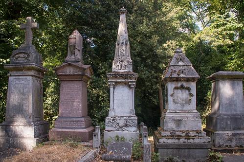 Nunhead-Cemetery_Graves4