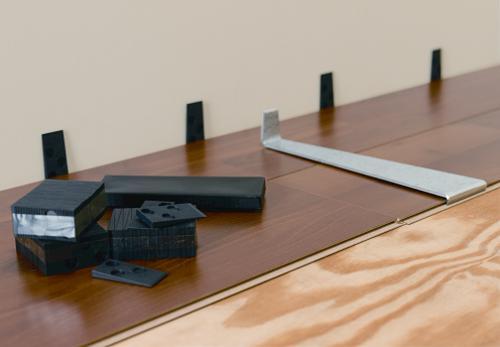 Expansion gap when installing laminate floors