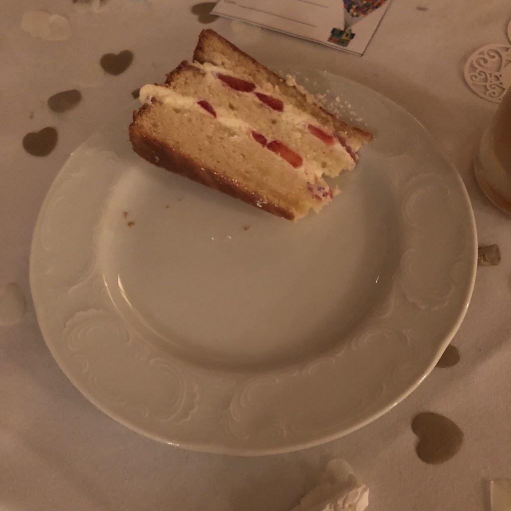 Almond Wedding Cake.Strawberry Almond Wedding Cake Like The Grand Canyon Flickr