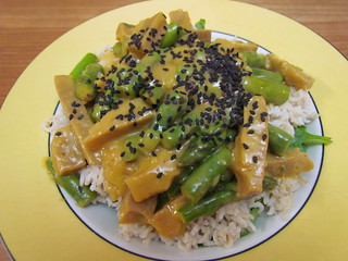 Seitan and Asparagus with Orange-Sesame Sauce