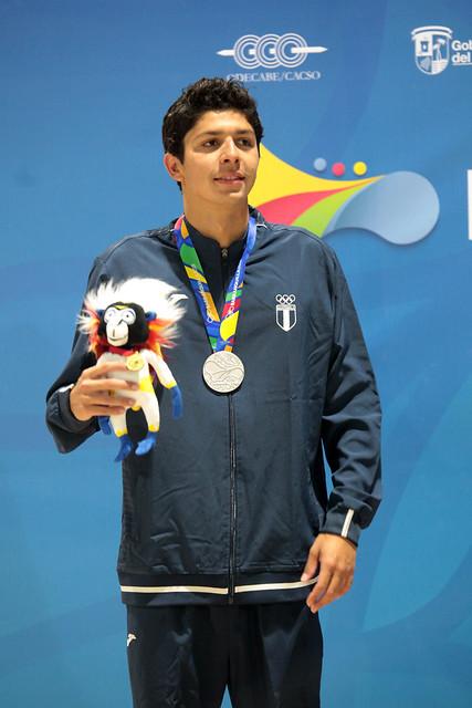 Premiación medalla de plata Luis Carlos Martínez