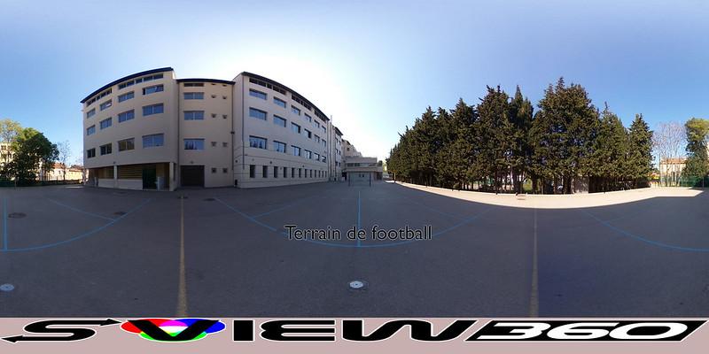13 - Terrain de football