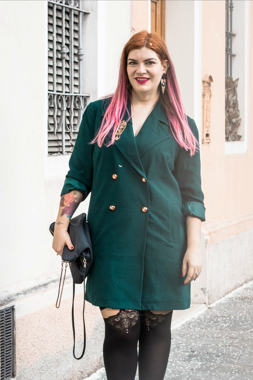 Outfit autoreggenti curvy plus size e abito-soprabito (4)