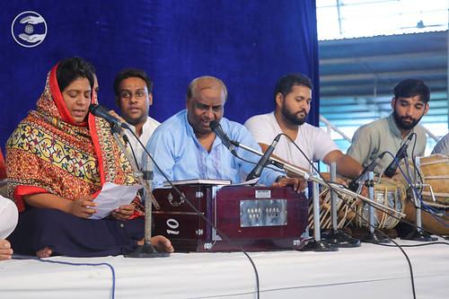 Devotional song by Baldev Singh and Saathi from Avter Enclave, Delhi