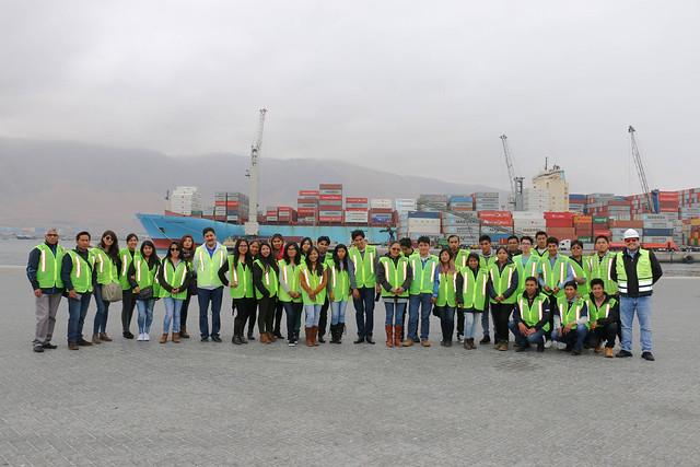 Puerto de Iquique recibió visita de alumnos de ingeniería industrial de UMSA Bolivia