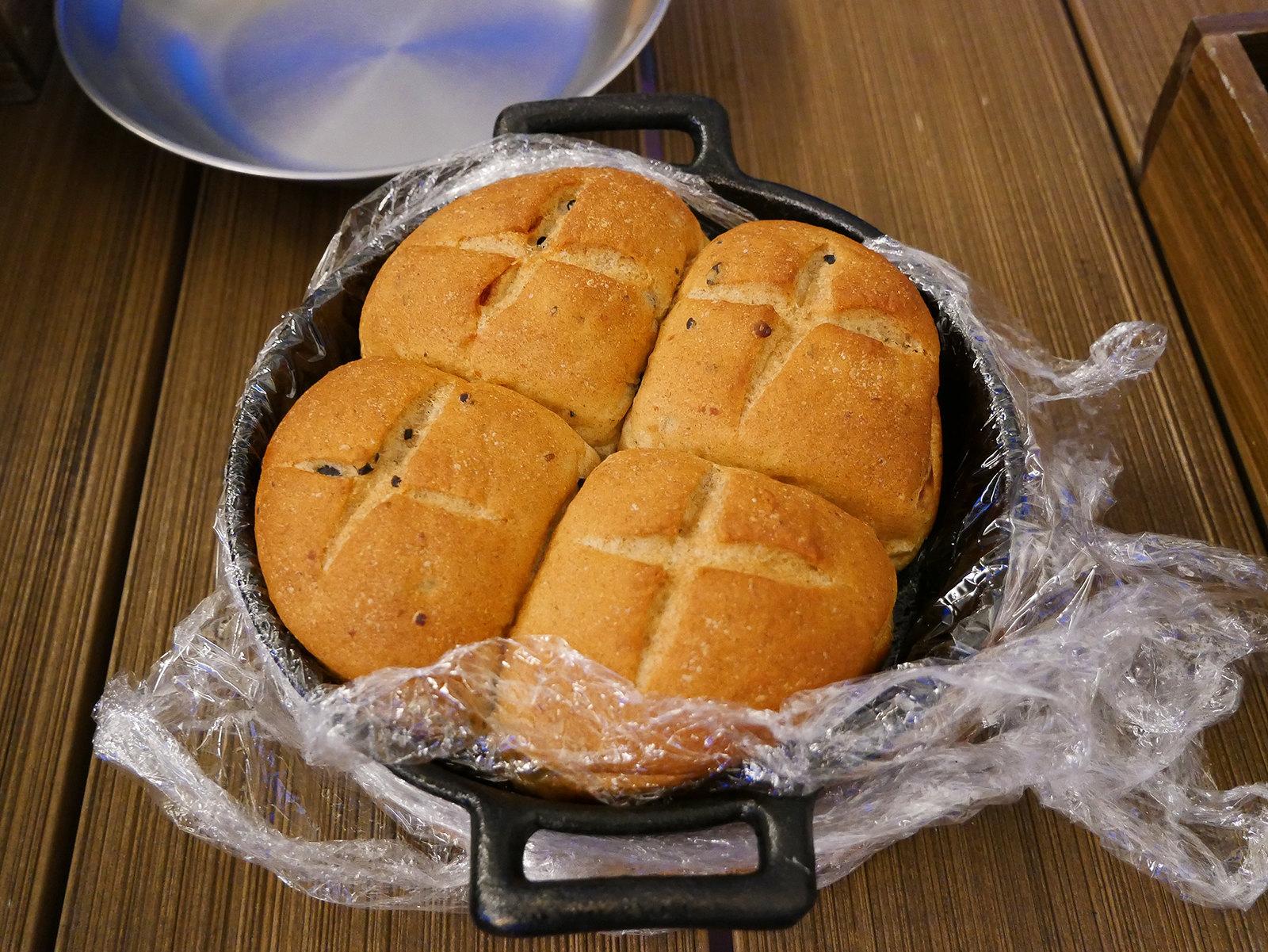 礁溪老爺酒店 露營車 晚餐 麵包
