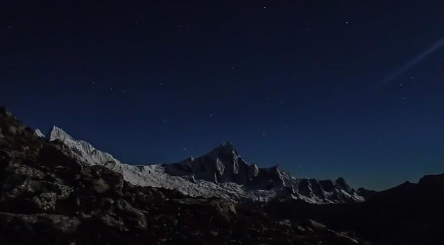 Thu, 2018-07-26 19:36 - Taulliraju and Pucajircas at night