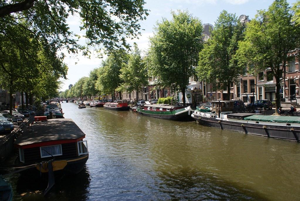 Canaux d'Amsterdam du côté du quartier de Jordaan.