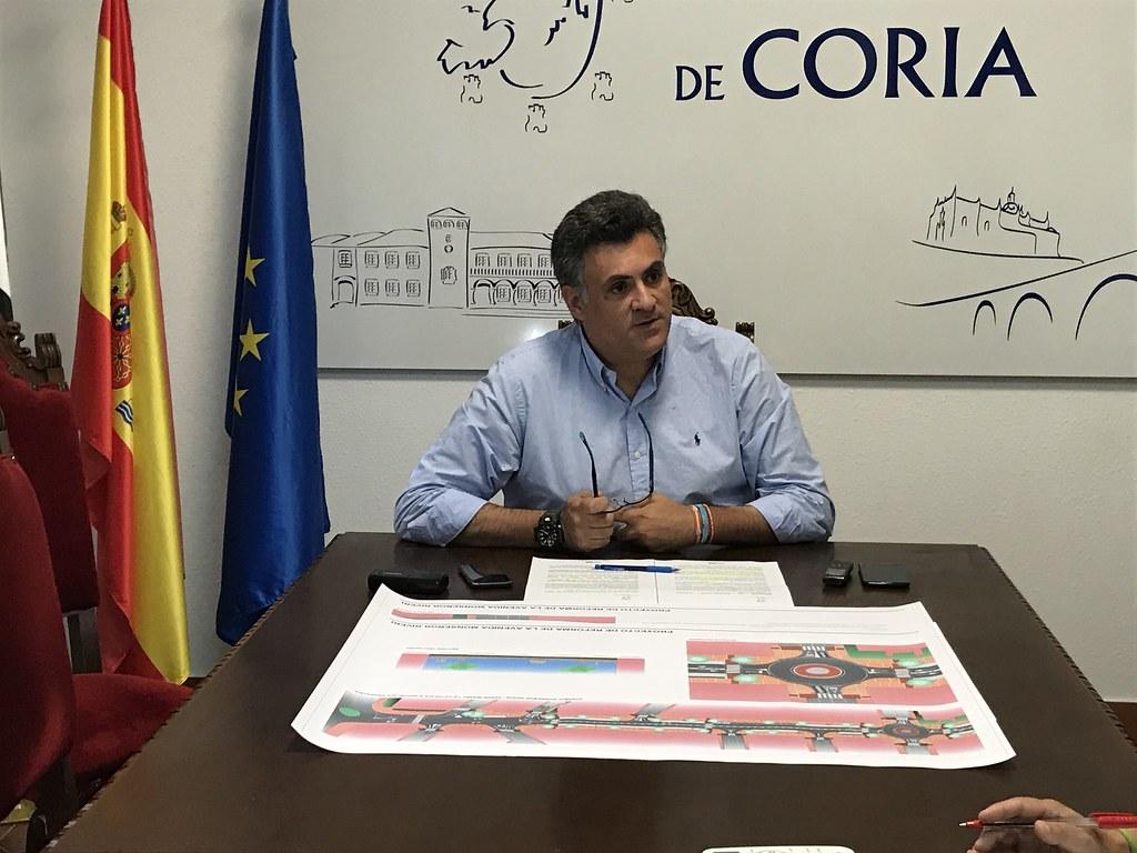 El Alcalde ha presentado ante los medios el nuevo proyecto de remodelación de la Avenida Monseñor Riberi