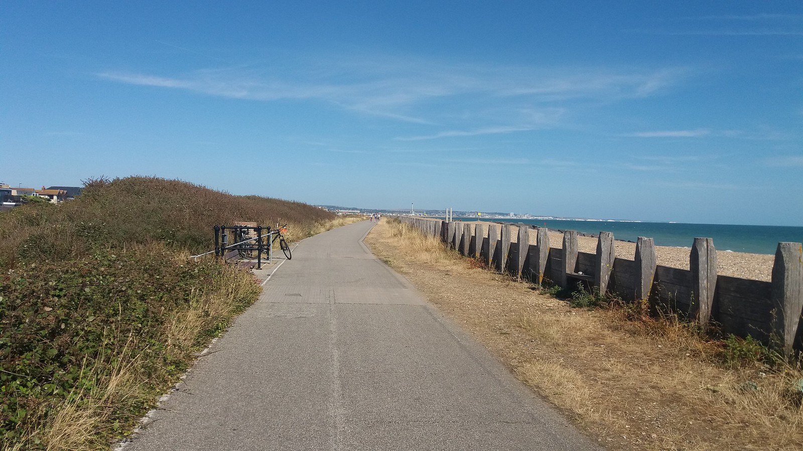 20180801_155751 Lancing seafront path past the lagoon