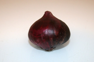 03 - Zutat rote Zwiebel / Ingredient red onion