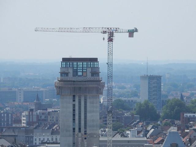 uitzicht op toren Sint-Baafskathedraal: boekentoren