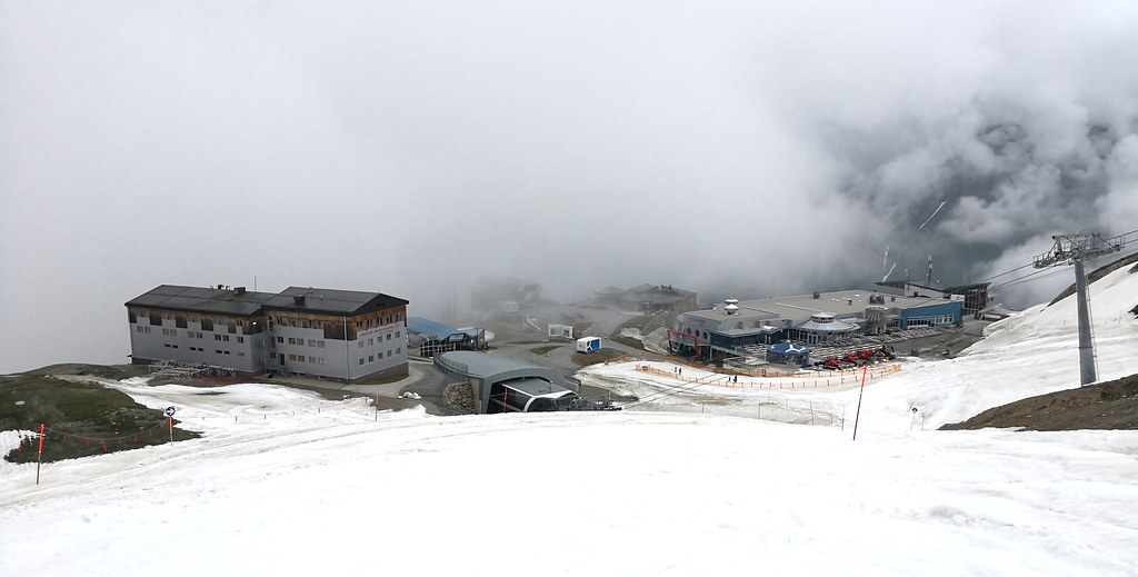 Alpincenter from the piste