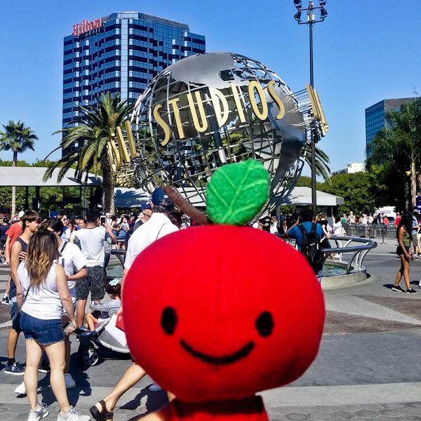 Apple Head's trip at: Universal Studio
