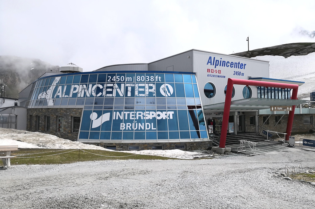 Alpincenter at 2,450m