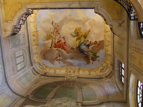 beautiful paintings on ceiling