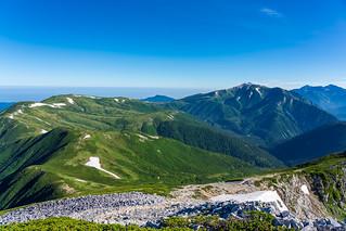 薬師岳へ連なる稜線