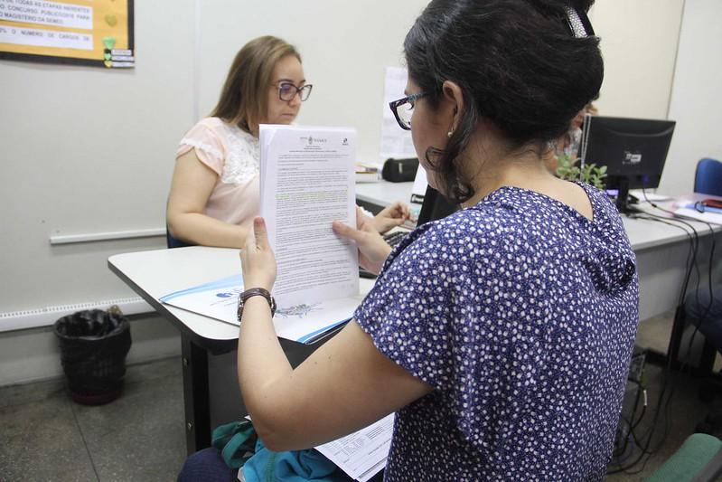 23.07.18 Nomeados no concurso da Semed começam a apresentar documentos à Comissão de Posse.