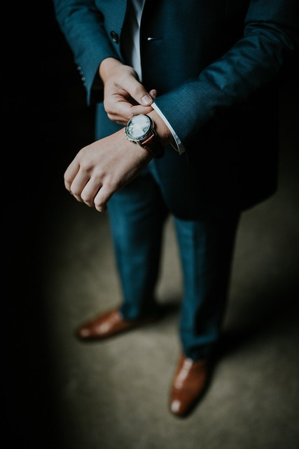 black suit and watch businessman credit to https://1dayreview.com